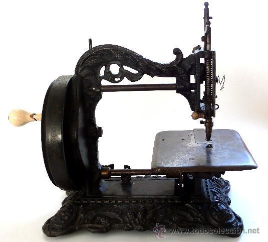 Productos para el hogar por marca: Maquinas de coser siglo xix