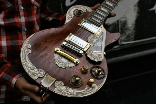 beautiful-custom-steampunk-guitar.w654